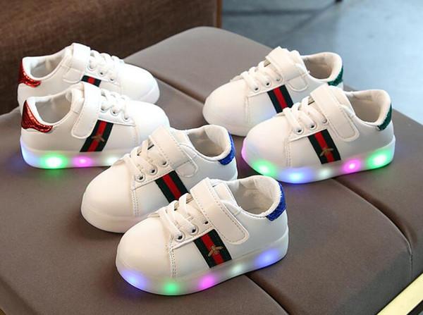 Светодиодный свет новый Детская обувь мальчики девочки повседневная кроссовки м