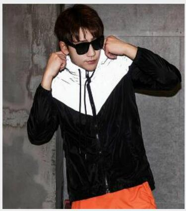 New fa hion men jacket ca ual hiphop windbreaker 3m reflective jacket tide brand men and women lover port coat hooded fluore cent clothing
