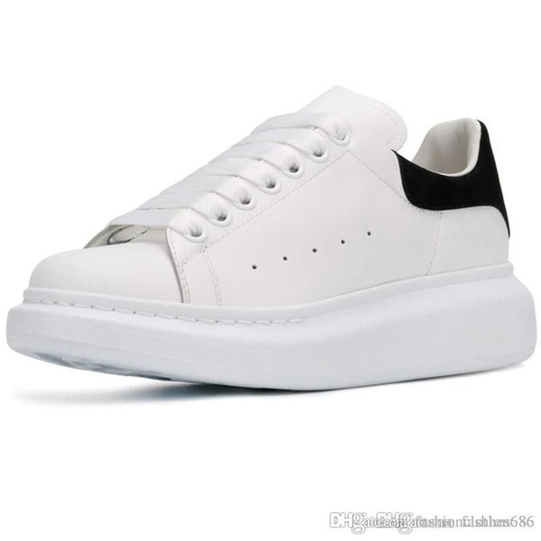 Alexander McQueens Новый сезон Дизайнерская обувь Модная женская обувь мужская кожаная обувь на шнуровке Негабаритные подошвенные кроссовки Белый Черный Повседневная обувь