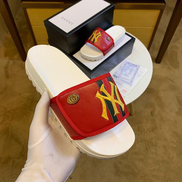 Flash-предложения Мужские роскошные плоские тапочки Летние пляжные горки Ace Bee Tiger Кожа из плотной ткани сандалии Мужские дизайнерские широкие плоские тапочки