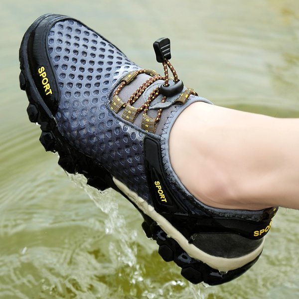 Mens Aqua Shoes Classic Non-slip Man Walking Beach Shoes Swimming Sneakers Male Mesh Masculino Outdoor Footwear Zapatos Hombre