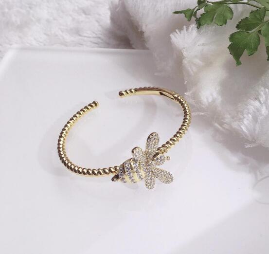 engagement_jewelry_bracelets_woman_18k_gold_plated_bee_bracelets_designer_fashion_luxury_jewelry_bracelets_women_gift