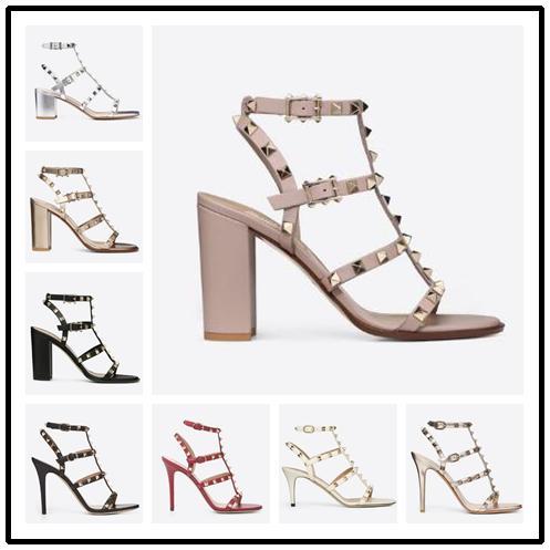 Дизайнер заостренный носок гвоздики лакированная кожа заклепки сандалии женщин шипованные босоножки туфли валентина валентина 10 см туфли на каблуках