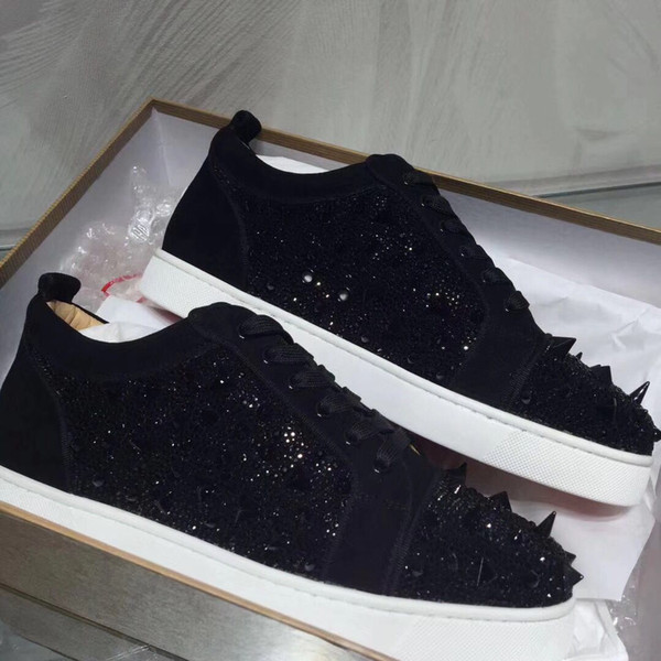 Черная замша с шипами Pik Pik + Strass Красные нижние кроссовки Обувь Женская, мужская повседневная прогулочная модная коллекция Leisure Party Wedding Dress