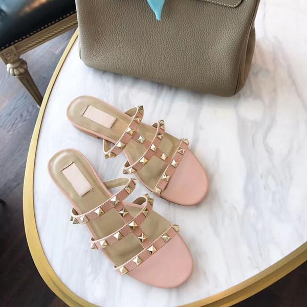 Новинка Летние женские пляжные тапочки Роскошные клепаные кожаные ботинки гладиатора Классическая кожаная нескользящая обувь на плоской подошве