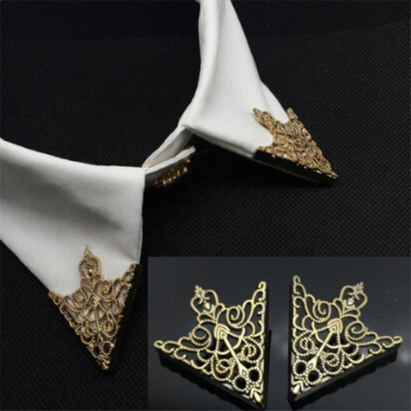 1Pair Vintage Crown Hollow Pattern Triangle Shirt Collar Brooch Pin Paired Icons For Men Corner Emblem Jewelry Accessories egYxa