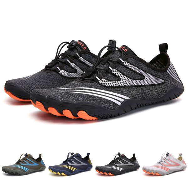 Summer Men Beach Aqua Shoes Women Breathable Water Shoes Non-slip Outdoor Seaside Sneakers Quick Dry Swimming Plus Size