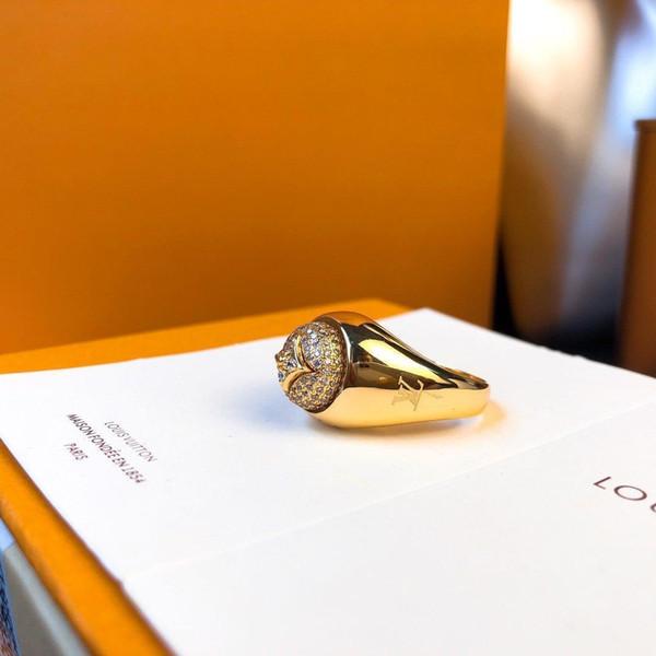 2020 Top 18k Золотое кольцо бриллиантовое кольцо Классический шаблон письма Личность кольцо ювелирных изделий Valentine Day Fashion Отправить Box фото