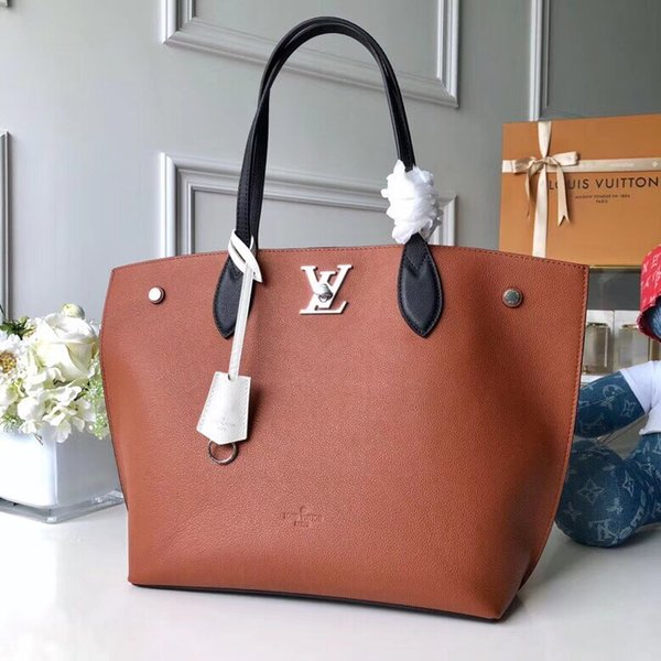 Top-Qaulity M55028 size 45..30..15cm Italy Designer fashion handbags bag Silk Lining with Dust Bag package Free Shiping