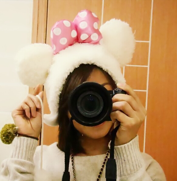 Wholesale Super cute soft winter women warm fashion ear cap plush pink bowknot dot hat white and black creative Christmas birthday gift for lovers