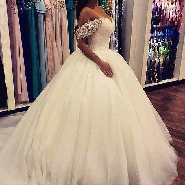Cheap Romantic Arabic Sweetheart Beaded Lace Ball Gown Wedding Dresses 2015 With Sleeveless Crytal Tulle Bridal Wedding Gowns