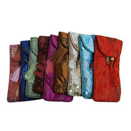 Wholesale New Glasses Bags Spectacle Pouch Fashion Silk Fabric Color Tassel Eyeglass Bag