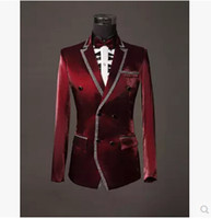 Precio de Rojo corbatas de lentejuelas hombres-Al por mayor (chaqueta + pantalones + pajarita) 2015 juegos de los hombres buenos de calidad lentejuelas rojas del juego de vestido de boda del novio de los hombres delgados del vino