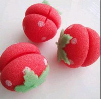 Wholesale Fashion Hair Care Product Magic Strawberry Sponge Balls Hair Styler Curler Roller Curling Irons