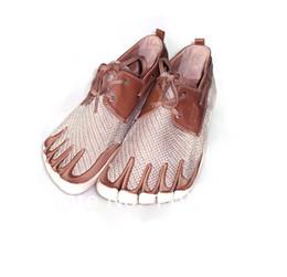 Wholesale Envío Al por mayor Libre Hombres Mujeres Toe Zapatos dedos Deporte Zapato Casual Sneakers Confort antideslizante Entrenadores