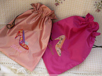 Wholesale Pretty Women Travel Shoes Case Cover Silk Embroidered Drawstring Dust Bags with Lined Mix Color inch free