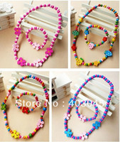 Cheap Wholesale-CHILDREN JEWELRY SET GIRL MIXED CUTE WOOD BEADS NECKLACE BRACELET SET New Baby Kids Gifts