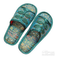 Wholesale Fashion Men s Slipper House Slippers Embroider Slipper Silk Fabric Rubber Sole Slippers pair Free