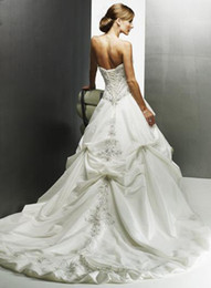 Wholesale 2011 New Style hot sell vogue embroidery Lace up Wedding Dresses bride gown sweetheart neckline
