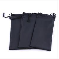 al por mayor gafas de sol a prueba de polvo-Wholesale-50pcs / lot Negro duradero gafas de sol de plástico a prueba de polvo a prueba de agua lentes de la bolsa suave caja de vidrios del bolso Gafas Accesorios