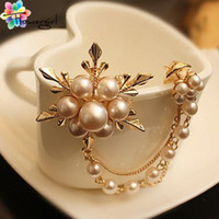 Brooches hat pins - Mix order Korea Big Elegant Pearl Flower Gold Color Women Brooch Pins For Suit Sweater Hat Scarves X0601