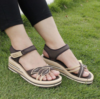 Wholesale female casual wedges high heeled sandals in the summer of thick bottom Flip Flops