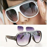 Wholesale double stripes retro sunglasses women and men glasses black and white