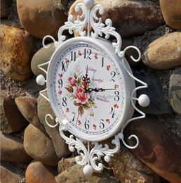 Wholesale Modern European Wrought Iron White Rose Hanging Wall Clock Chic Home Decor Dropshipping