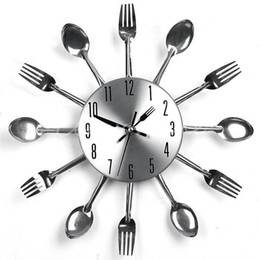 Wholesale Fashion Modern Design Cool Silver Kitchen Cutlery Utensil For Creative Design Wall Clock Spoon Fork Home Decoration
