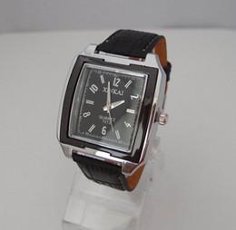 Descuento los mejores relojes de moda de calidad Reloj al por mayor de la Navidad-regalo Xinkai Marca Moda Cuero Negro reloj de los hombres Mejor deporte analógico de pulsera de cuarzo de calidad QW004-2