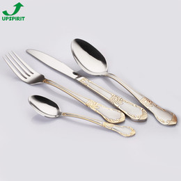 Wholesale Gold plated mirror polished cutlery set stainless steel silverware sets dinner spoon a set of spoons and forks