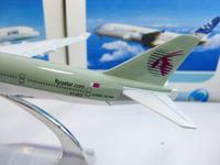 Wholesale Qatar Airways B747 Civil Aviation airplane model cm metal airlines plane model airbus prototype machine