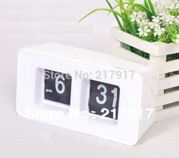 Wholesale Flip Clock Retro File Down Page Clocks Digital table clock White Colors Promotion