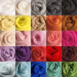 Al por mayor-10 g / bolsa para 26 colores Lana Merino sintió Spinning Fibra Roving Para Aguja Fieltro mano DIY Diversión Doll Costura