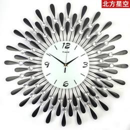 2017 Modern Home Decoration Items Wholesale Big Digital Glass Iron Wall Clock Modern Design Large