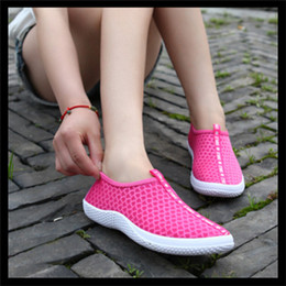 Wholesale-spring and summer fashion breathable mesh flat hollow out shoes net cloth sandals, beach shoes light running shoes.