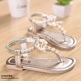 Wholesale Summer Girls Sandals with Pearl Rubber Slip On Soft Shoes Baby Girls Beading Sandals Sapato Infantil Menina