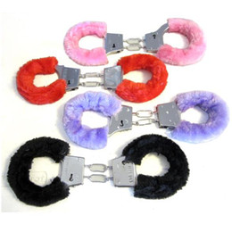 Wholesale Novelty Gift Adult Sexy Game Hen Night Party Fuzzy Furry Soft Metal Handcuffs