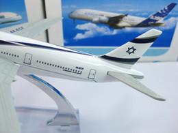 2017 máquina cepilladora Envío al por mayor-Libre! Modelos de aviones B777-200 Israel Airlines, 16cm de metal AIRLINES modelo de avión, máquina del prototipo de Airbus, regalo de Navidad máquina cepilladora en oferta