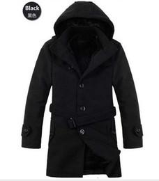 Promotion lignes de capot Style gros-coréen Slim Fit Mens Caban à capuche de laine épaissir trench-coats pour les hommes manteau de fourrure doublée militaire occasionnels vêtements K024