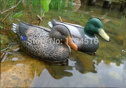 Wholesale days Lowest Price Duck Decoration Outdoor Moss Hunting Equipment Giant Floating Duck Decoy For Hunting