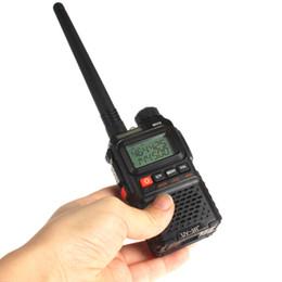 Promotion deux radios bidirectionnelles vente Vente chaude! BaoFeng UV-3R plus Dual-Band-Display 136-174 / 400-470MHz FM radio à deux voies haute illumination lampe de poche!
