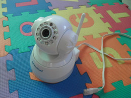 Wholesale-VSTARCAM F6836W PTZ Indoor Wireless IP Network Camera with 10-LED IR Night Vision - White