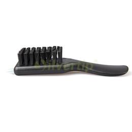 Wholesale Livraison gratuite Chaussures de Golf en plastique brosse de nettoyage brosse couleur noire nettoyeur avec Spike taquet clé pointe GSBBC