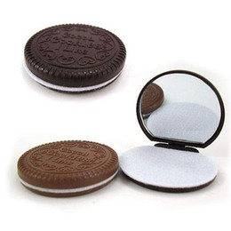 Wholesale Freeshipping New Fashion Creative Cute Chocolate sandwiched make up Mirror Portable Pocket Cosmetic Mirror with Comb