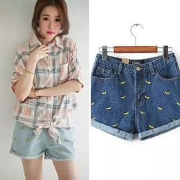 Wholesale KU23 Fashion Women Elegant bananas Embroidery Zippers Denim Blue Jeans pockets casual shorts