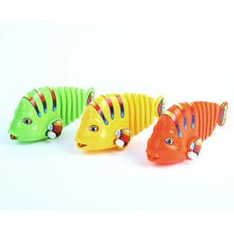 Wholesale Cute Kids Baby Swing Cartoon Wind Up Fish Manmade Emulational Swing Tail Fish Clockwork Toys Hot Freeshipping