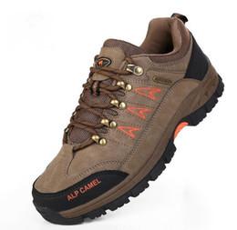 Hot men hiking shoes slip resistant shoes