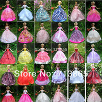 Wholesale items Dress Shoes Hangers Handmade Gown Dress Clothing For Barbie Doll styles for choose