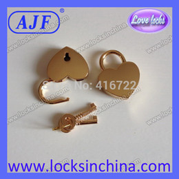 Wholesale A01 HG AJF golden heart love lock for valentines or jewel case